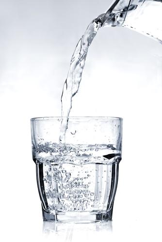 Beragam Manfaat Dalam Segelas Air Putih